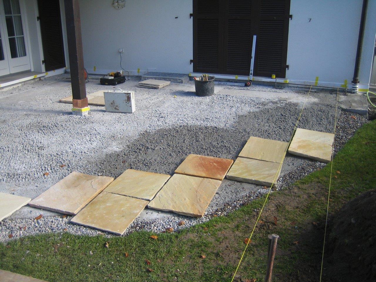 Vorbereitungen für das Verlegen von Natursteinplatten